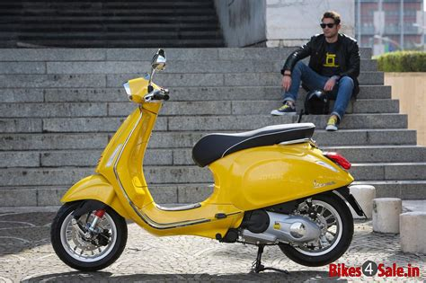 Modifikasi Vespa Piaggio Sprint by Picture Showing The Yellow Colored Vespa Sprint 125 Vespa