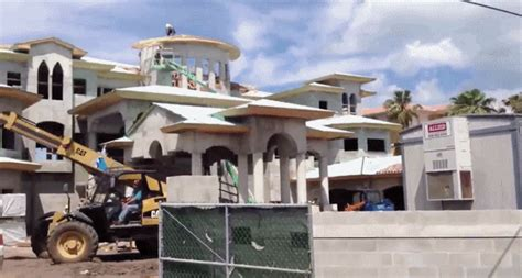 ryan howard house here s a gif of ryan howard s massive florida house being built crossing broad