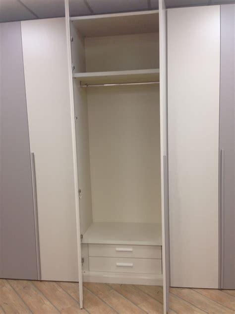 attrezzatura interna armadio armadio giessegi giessegi modello blue moon scontato
