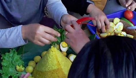 video membuat nasi tumpeng cara membuat nasi tumpeng untuk ulang tahun 085692092435