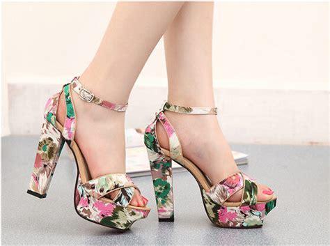 imagenes de zapatillas con flores tacones de moda 2018 187 tacones con flores 4