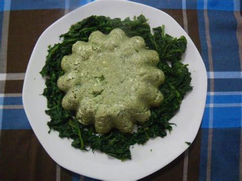 come si cucinano gli spinaci freschi timballo di spinaci e ricotta tomato