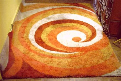 teppiche 70er jahre orange gelber teppich der 70er jahre