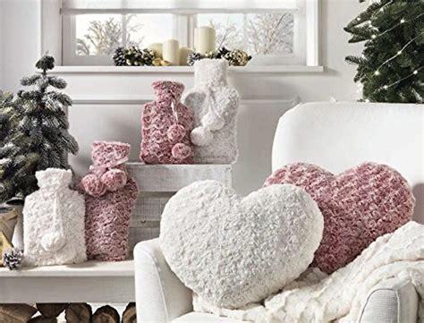 cuscino a forma di cuore idee sfiziose cuscini a forma di cuore e fiore homehome