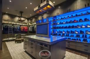 25 luxury walk in closet designs pictures