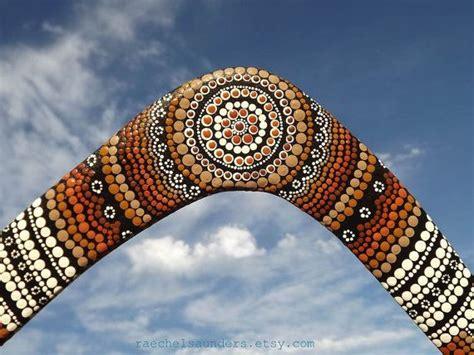 painting boomerang throwing boomerang painted authentic aboriginal dot