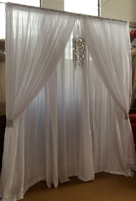 Wedding Backdrop With Chandelier by Wedding Event Backdrop Pipe Drape White Chandelier