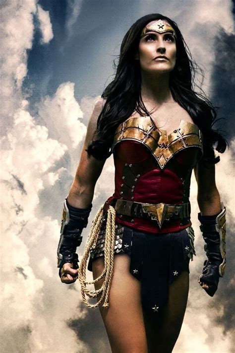 the 20 greatest cosplays of wonder woman dorkly post