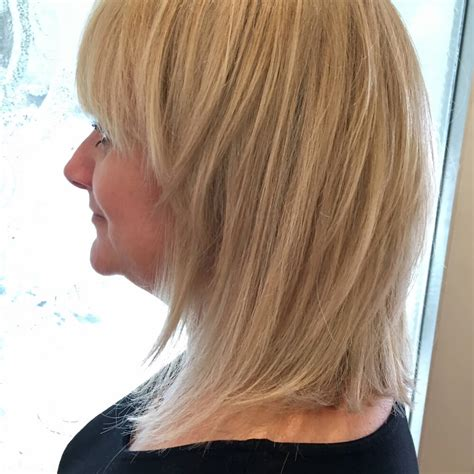 Hairstyles In Layers by Haircut With Layers In Back Only On Bottom Medium