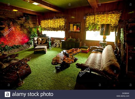 jungle room the jungle room at graceland the home of elvis in stock photo 59251554 alamy