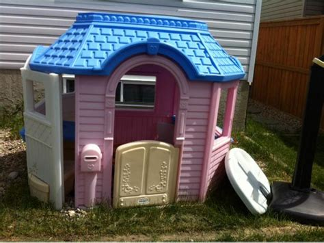 tikes playhouse pink with blue roof tikes outdoor playhouse pink and blue east