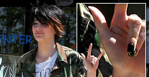 where do celebrities get their haircut when in las vegas nv paris jackson hospitalized after suicide attempt ny