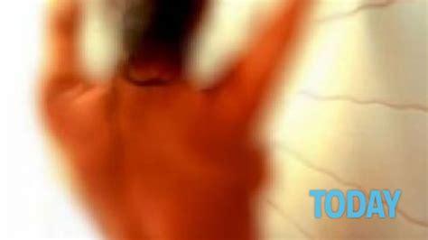 ragazzi sotto la doccia filmano le compagne di classe sotto la doccia a tem 249
