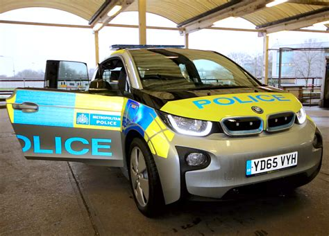 london metropolitan police trialling   bmw    operational environments cleantechnica