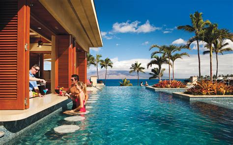 best romantic getaways 5 great resorts for couples maui hawaii the favorite island for hollywood