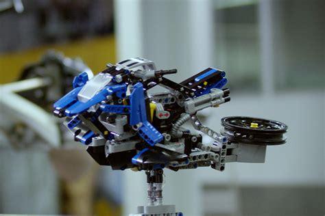 bmw ve lego ortakligi ile gelistirilen hover bike teknolsun
