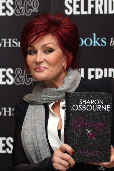 Osbourne Signs New Autobiography Osbourne by Osbourne Signs Book 2 Zimbio