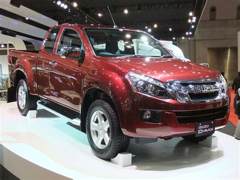 file isuzu d max 2nd front perspective view jpg