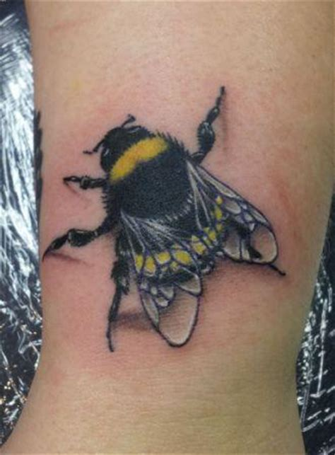Bumble Bee Tattoos Designs Ideas And Meaning Tattoos Bumble Bee Tattoos Meaning