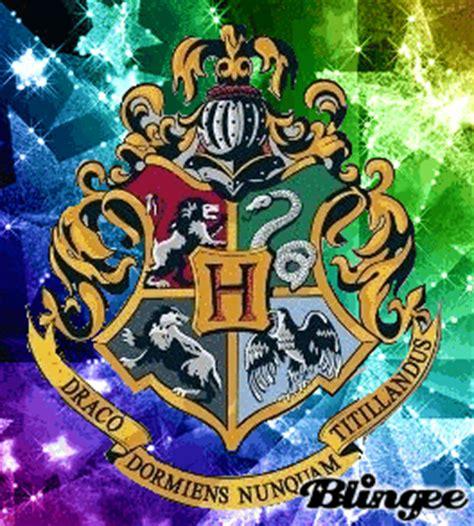 hogwarts crest! picture #120300368 | blingee.com