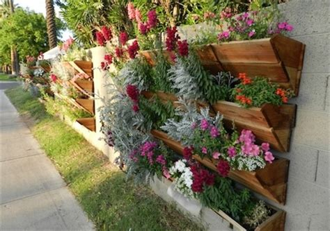 Vertical Garden Made From Pallets 13 Pallet Vertical Garden For Beautifying You Home