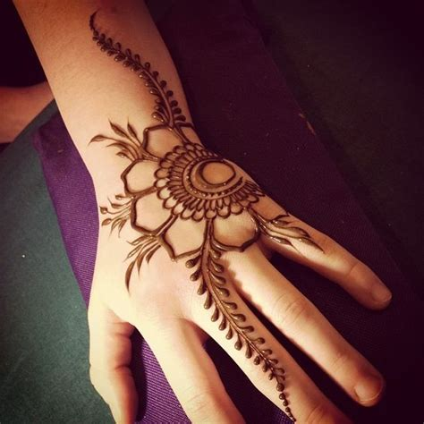 simple and adorable arabic henna designs step by step images pictures cute 25 adorable mehendi designs for kids hands step by