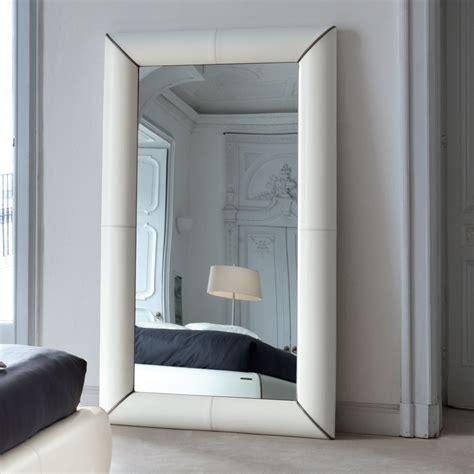 specchi grandi con cornice specchio da parete in cuoio tulle arredas 236
