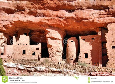 native american dwellings cliff dwelling stock photo image of cliff history