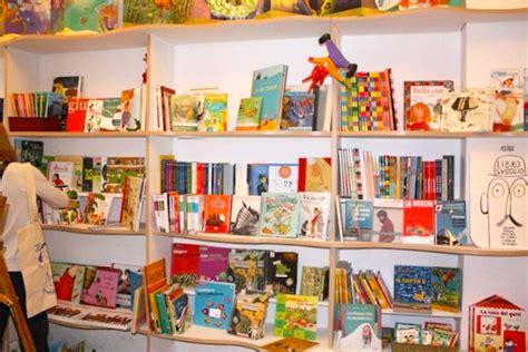 libreria italiana le nuvole le nuvole la librer 237 a de barcelona que piensa en los