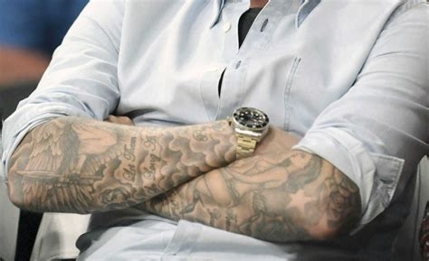 tatuaż robi się jasny tatuaż blednie moda męska blog