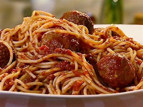 cuisine spaghetti the secret recipe to the best gravy tomato sauce
