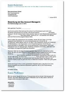 Anschreiben Bewerbung Vorlage Schweiz Initiativbewerbung Anschreiben Muster Beispiele Karrierebibel De