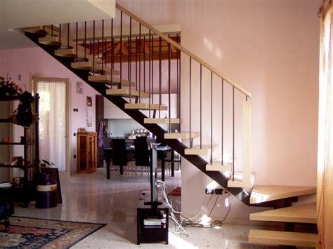 le piã interni arredare scale interne arredare le scale con le ringhiere