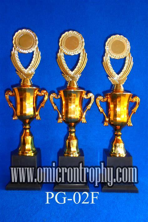 Grosir Plastik grosir trophy plastik omicron trophy
