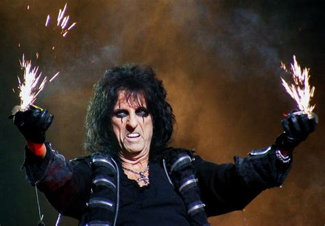 craziest rock stars the 10 most iconic rock star costumes a music blog yea
