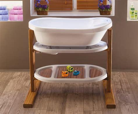 mit baby in badewanne baby badewanne badewannen f 252 r baby 180 s baby bathtub