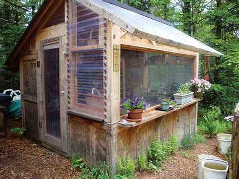 jardin ultra shed try a wood pallet project diy mother earth news