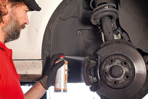 Bremssattel Lackieren Dose Oder Pinsel by So Lackieren Sie Bremss 228 Ttel Selbst Bilder Autobild De
