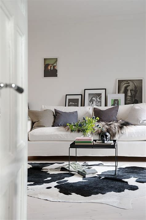 Cowhide Rug Living Room Ideas - 239 best images about cowhide rugs in rooms on