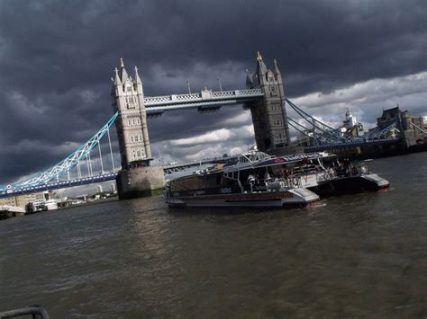 thames river cruise best top 10 things to do in central london this summer