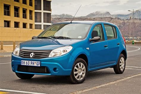 renault sandero 1 4 ambience review cars co za