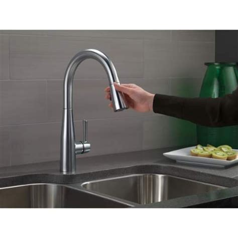 Pull Kitchen Faucet With Magnet by Delta 9113 Dst Essa Pull Kitchen Faucet With Magnetic
