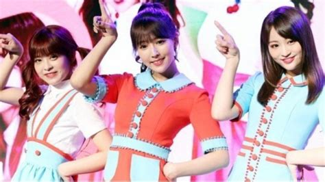 pemain film panas asal jepang debut sebagai idol  pop