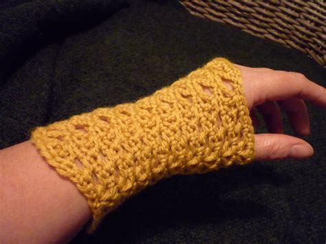 pattern crochet hand warmers colour in a simple life wrist warmers anyone