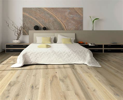 Floors Make Room Look Smaller by A Small Room Look Bigger With Hardwood Floors T