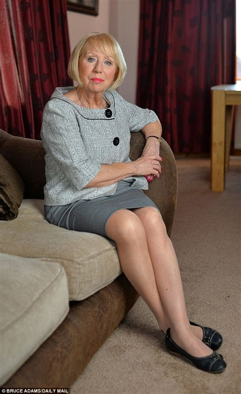 elderly women dresses and heels research proves that wearing high heel can lead to
