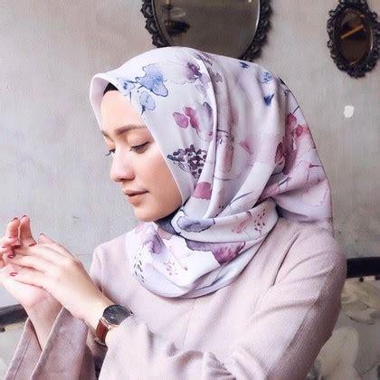 Sarung Sutera Mega Hidayat 420 7 tips agar kerudung berbahan satin tak mudah rusak