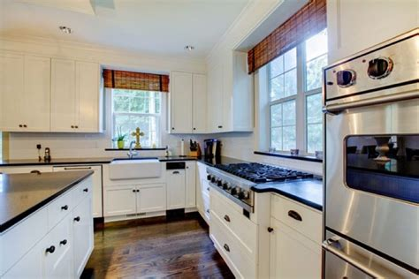 kitchen cabinet cleaning service a cleaning service prides itself on employee loyalty