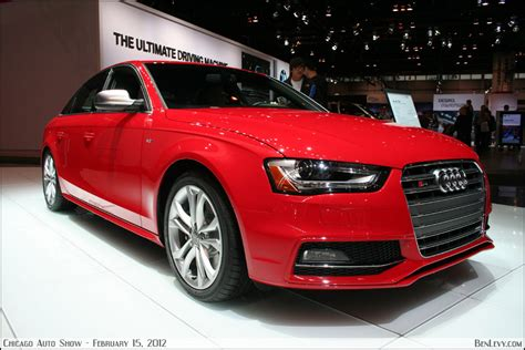 Audi S4 Rot by Audi S4 Benlevy
