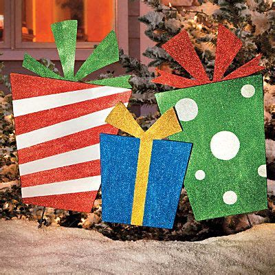 diy outdoor yard gifts plywood stakes and glitter paint